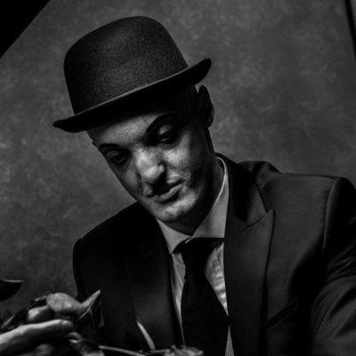 Eric_artsy-MUA-fouet